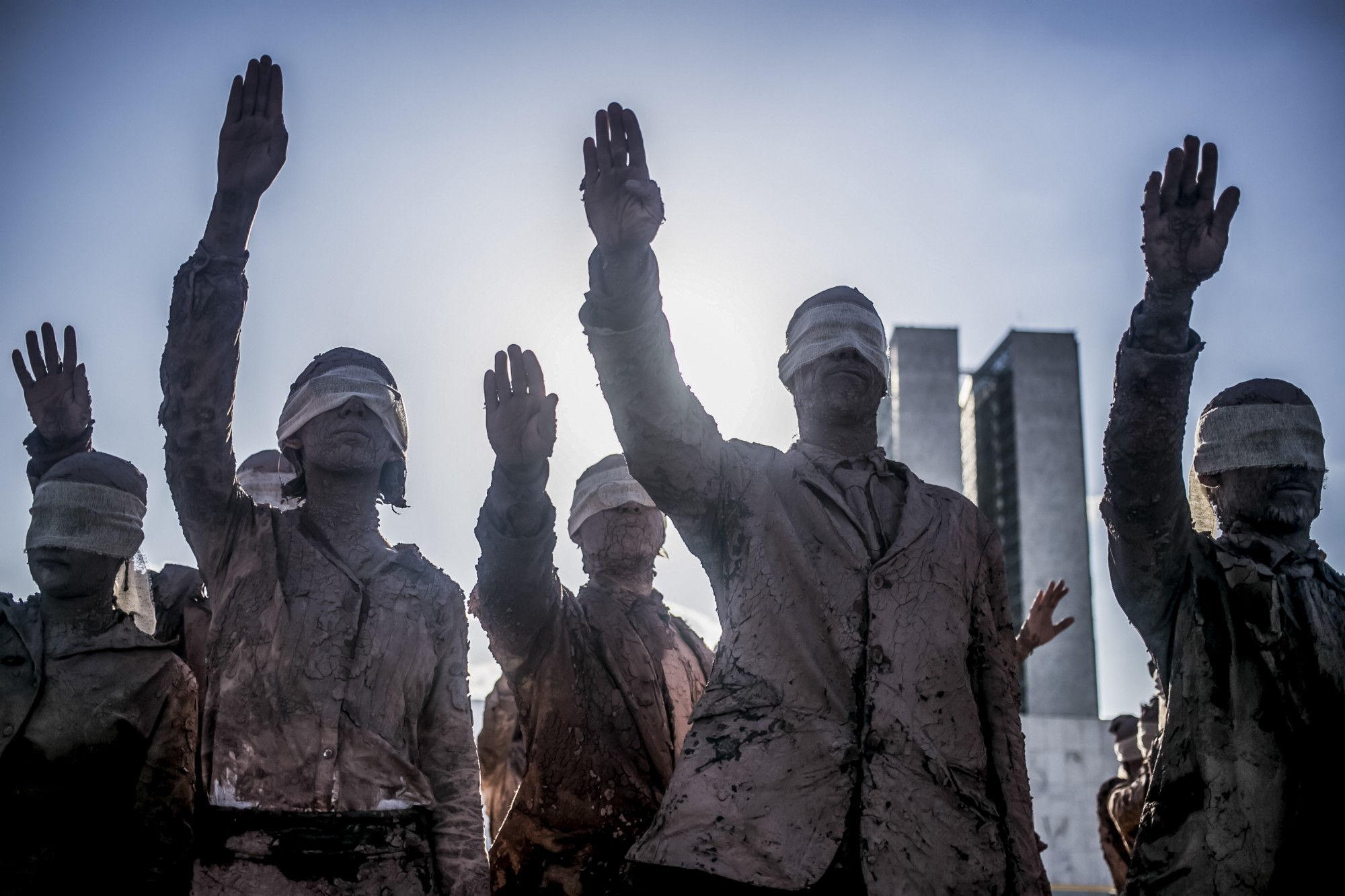 Performance 'Cegos' em Brasília. Foto: Mídia NINJA