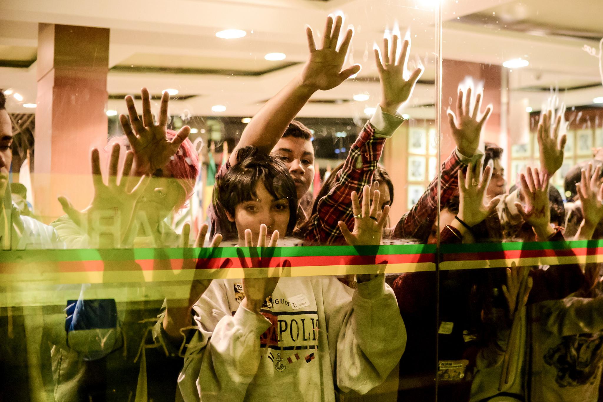 Secundaristas ocupam ALERGS em Porto Alegre (RS) • 13/06/2016. Foto: Mídia NINJA