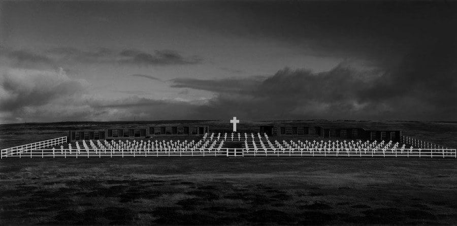 Juan Travnik. Cemitério Argentino. Darwin. 2007