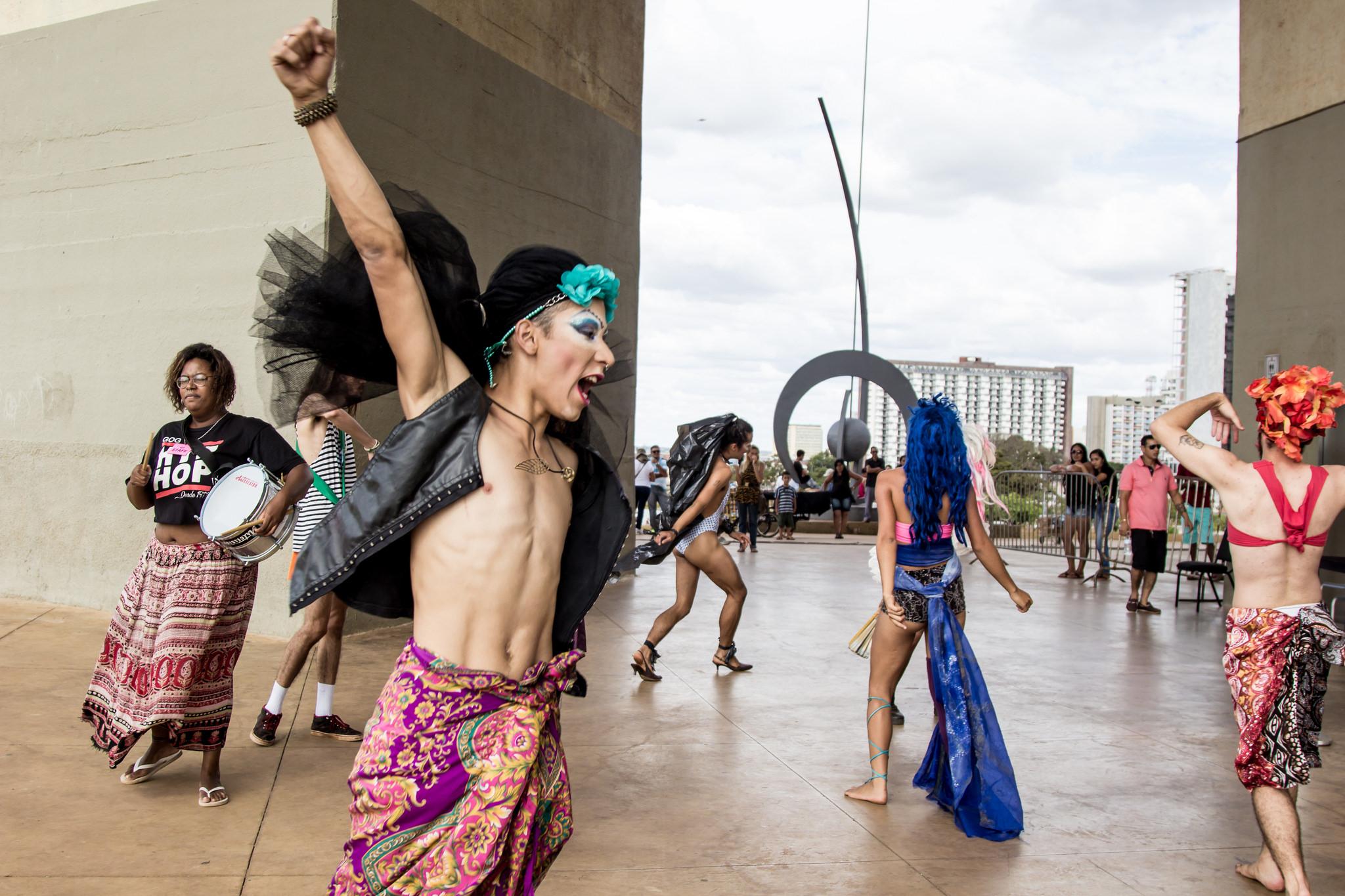 Artistas, produtores, estudantes e movimentos sociais ocupam a Funarte Brasília. Foto: Midia Ninja