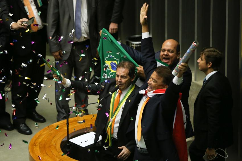 Brasília - Deputado Paulinho da Força fala durante a sessão para votação da autorização ou não da abertura do processo de impeachment da presidenta Dilma Rousseff, no plenário da Câmara. Foto: Marcelo Camargo/Agência Brasil.
