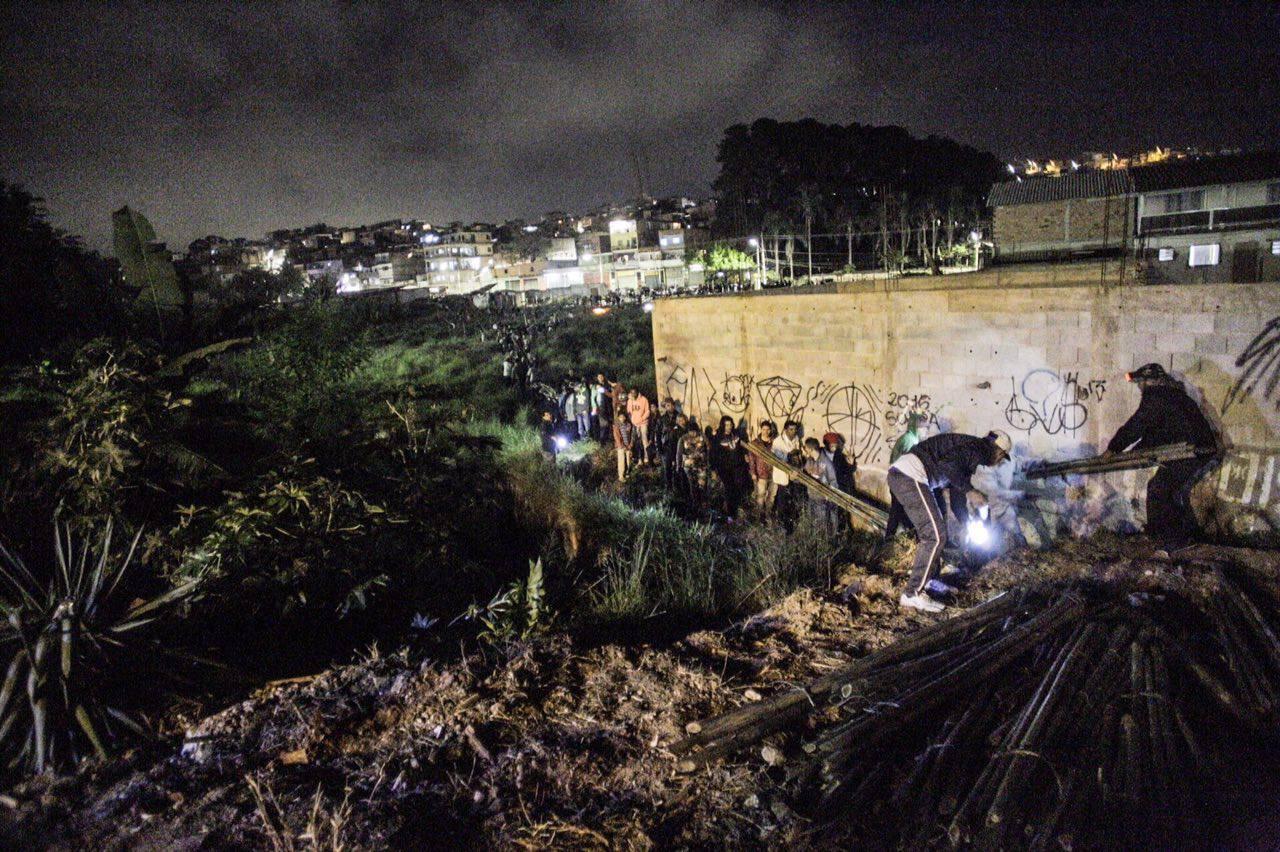 Em área localizada na Chácara Sonho Azul, zona Sul de São Paulo, cerca de 400 famílias ocuparam o terreno que a mais de 30 anos estava abandonado. Foto: Mídia NINJA