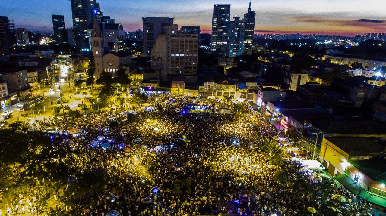 Mais de 100 mil pessoas foram ao Largo da Batata no dia 4/6 para pedir Diretas Já! Foto: Diretas Já