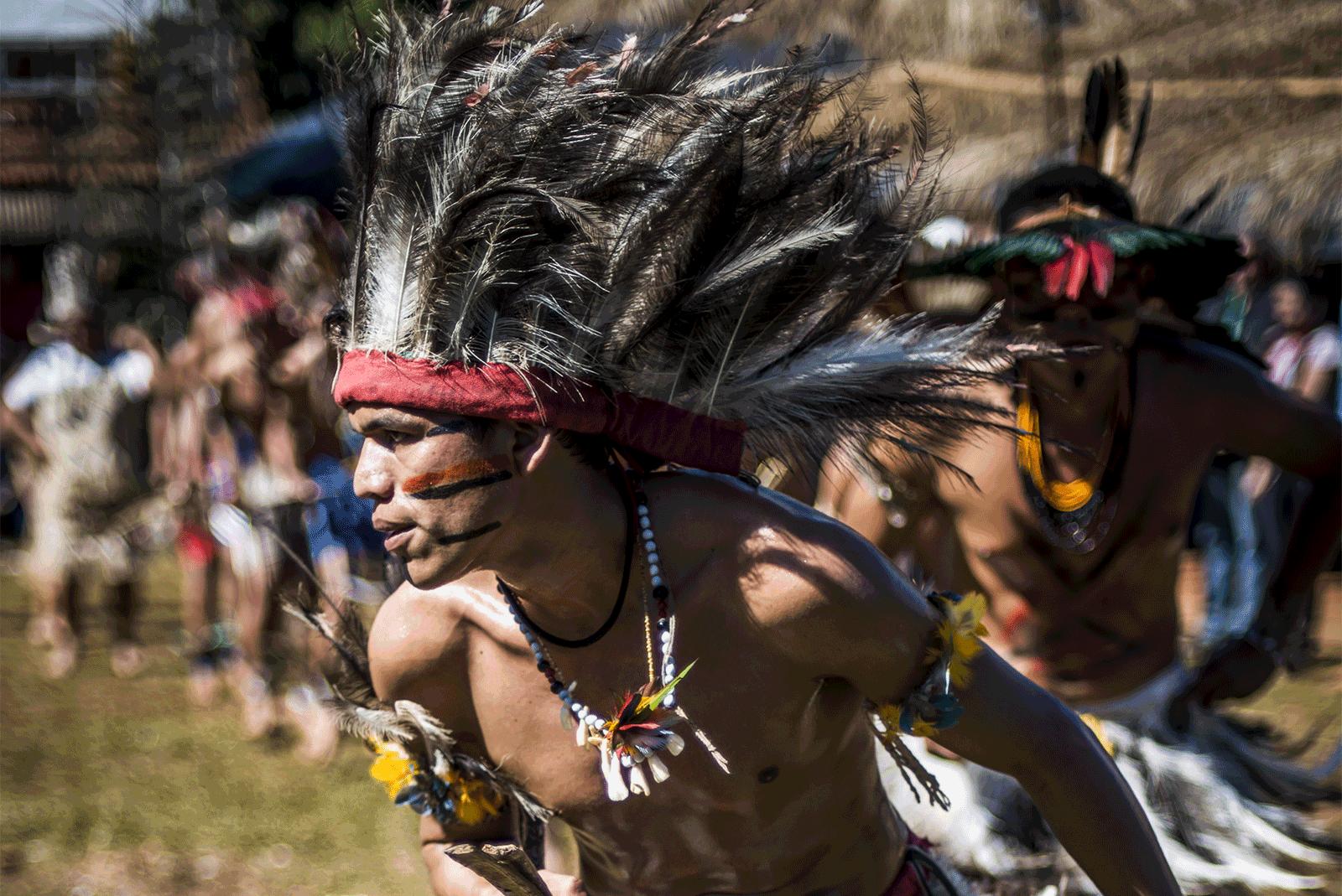 Dança na Aldeia Buriti, no Mato Grosso do Sul, durante a 10° Grande Assembleia Terena . Foto: Mídia NINJA