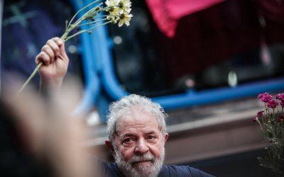 Lula: Prisão Arbitrária e Política