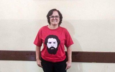 Professora protesta contra o Escola Sem Partido e é vítima de ataques na internet