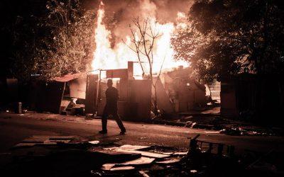 Moradores denunciam incêndio na Favela do Cimento em São Paulo