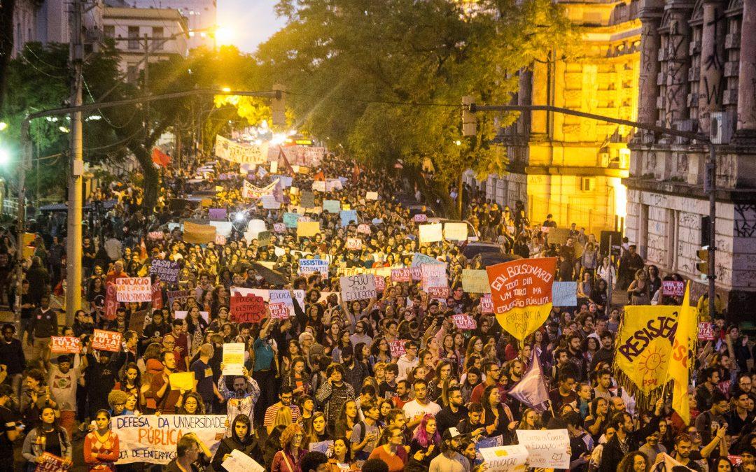 A polarização política e o perigo à democracia