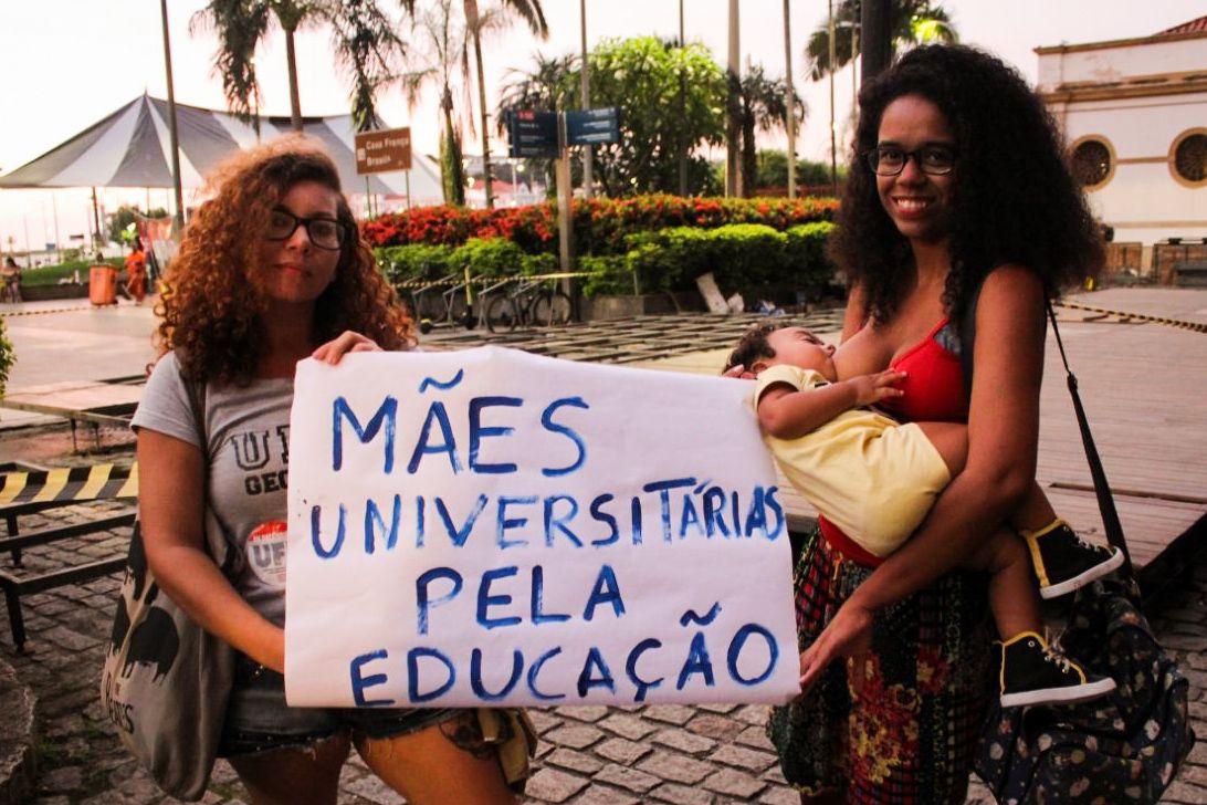 Mães universitárias Mithaly Correa e Rafaela Cecilia   Foto: Lia Castanho