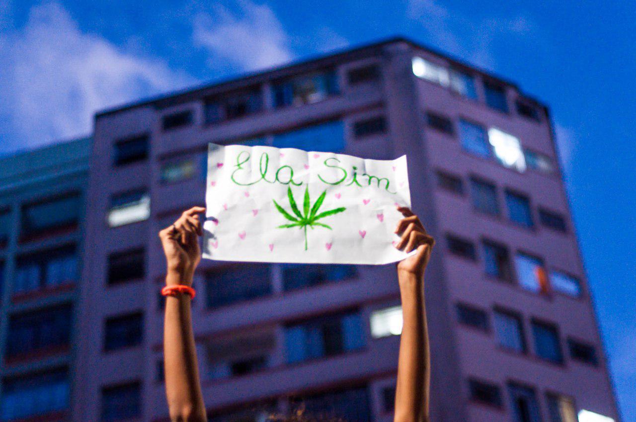 photo 2019 05 25 23 23 06 Marcha da Maconha em BH leva milhares às ruas pela legalização