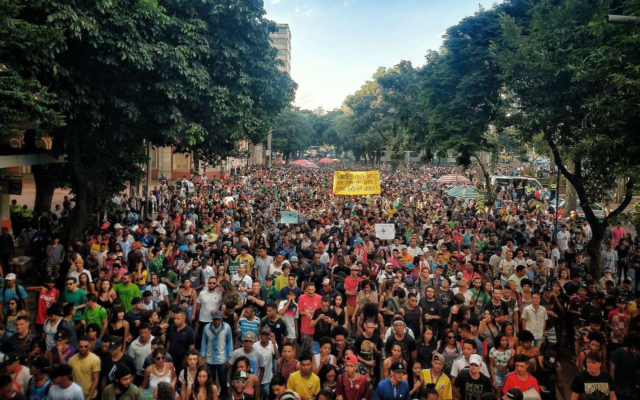 photo 2019 05 25 23 35 29 Marcha da Maconha em BH leva milhares às ruas pela legalização