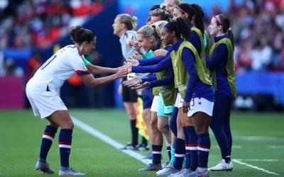 Seleção feminina dos EUA processa federação por salário igualitário