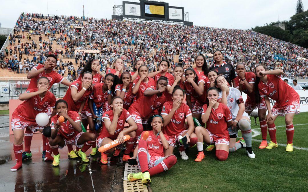 Taça das Favelas coloca futebol de várzea no centro