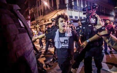 PM reprime manifestação pacífica da Greve Geral no Rio de Janeiro