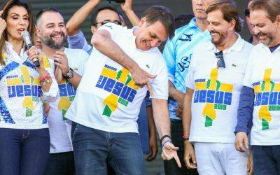 Para quem Bolsonaro está apontando essa arma?
