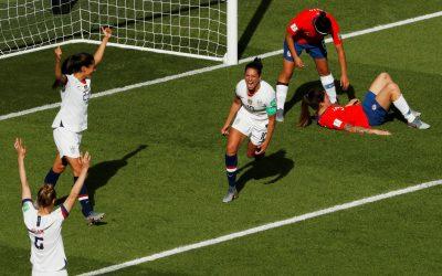 'Parecem um time masculino jogando', diz imprensa sobre time feminino de futebol dos Estados Unidos