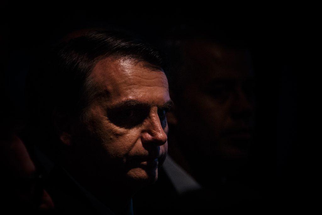 Jandira Feghali: Bolsonaro tem que falar