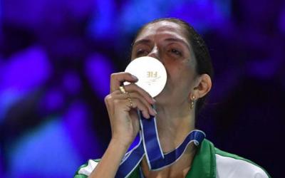 Primeiro título do país no Mundial de Esgrima foi conquistado por uma mulher!