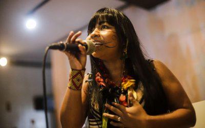 Direto de Lisboa, Weena Tikuna fala sobre a situação indígena no Brasil