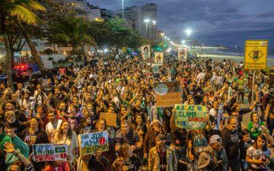 O Brasil está em chamas e a rua te chama