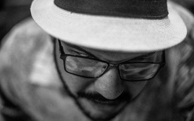Gabrielzinho do Irajá: talento da nova geração do samba no partido alto