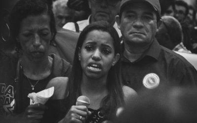 Emocionada, irmã de vítima de massacre em Paraisópolis pede justiça