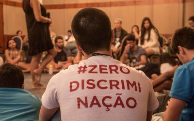 """""""Exigimos a cura contra Bolsonaro"""", uma resposta de pessoas vivendo com HIV"""