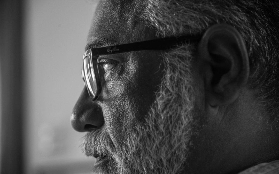 """""""Temos no poder um governo que não preza pela cultura"""", critica o sambista Chico Alves"""