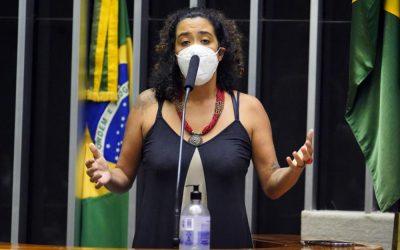 Câmara aprova urgência em projeto que permite reabertura de escolas na pandemia