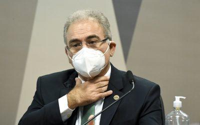 Queiroga foge de perguntas sobre cloroquina e protege gestão Bolsonaro
