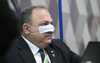 Pazuello tenta blindar Bolsonaro e mente ao menos cinco vezes em CPI