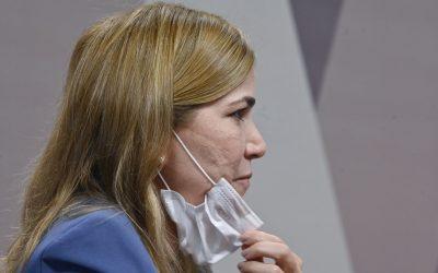 """Equipe de checagem aponta ao menos 12 mentiras da """"Capitã Cloroquina"""" à CPI"""