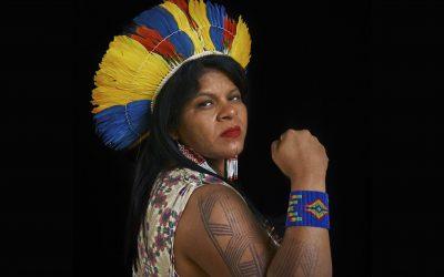 APIB pede e justiça arquiva inquérito que mira Sonia Guajajara e organizações indígenas por críticas ao governo