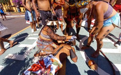 Povos indígenas são atacados com balas de borracha e gás lacrimogêneo em Brasília