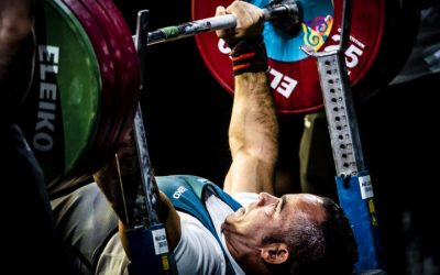 A força dos fortes: uma comparação entre atletas regulares e paratletas